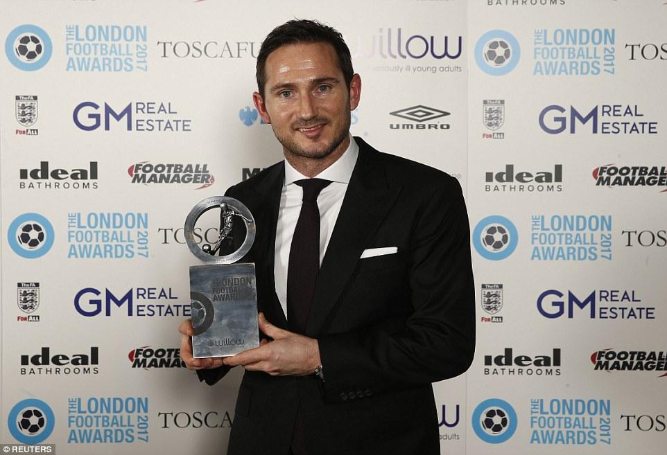 Антонио Конте признан лучшим тренером года встолице Англии