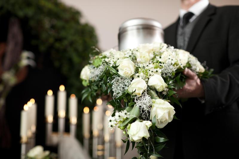 Приобретение ритуальных товаров: что понадобится на похороны?