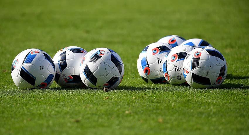 Какой футбольный мяч выбрать: рекомендации спортсменов