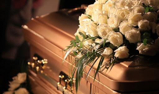 Выбор гроба и других ритуальных товаров на похороны в Москве
