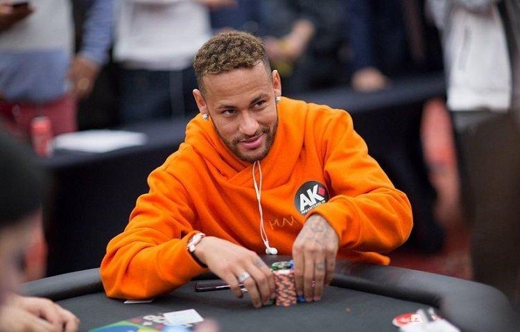 Когда азарт не чужд: звезды футбола, которые обожают играть в Poker