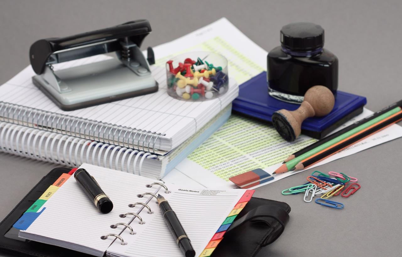 Канцтовары и расходные материалы для оргтехники: что выбрать?