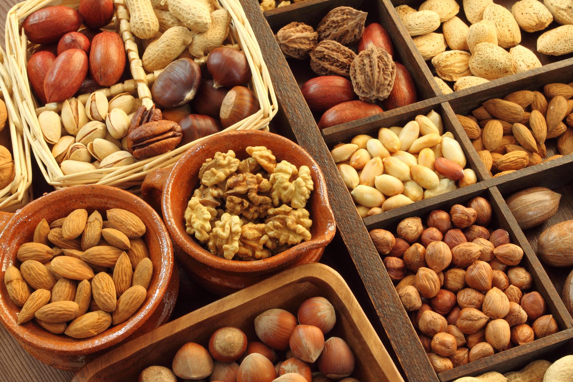 Почему стоит есть орехи?