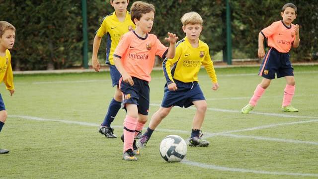 5 преимуществ игры в футбол для детей